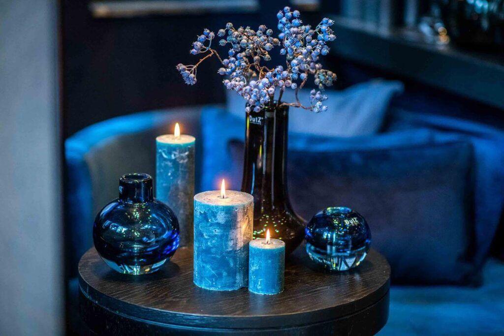 significado de las velas azul oscuro