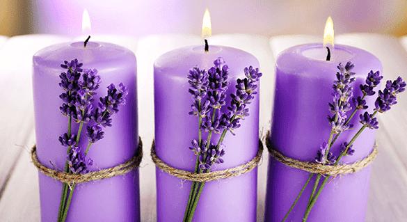 ritual con velas lila y lavanda